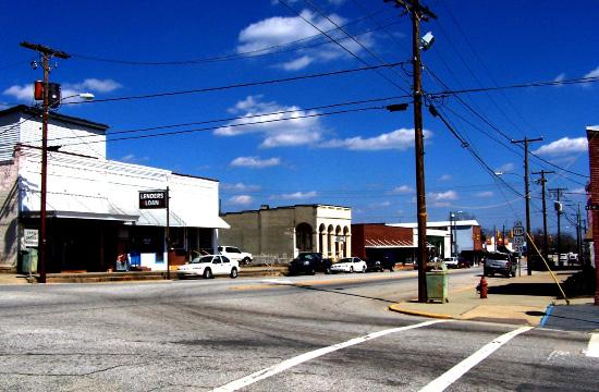 Downtown Revitalization Study Saluda, South Carolina The Town of Saluda retained Milone & MacBroom, Inc. to first evaluate opportunities to improve its downtown business sector.