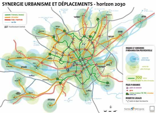 The metropolitan development is conceived in order to control urban spread, to moderate space urbanization and to strengthen existing urban centres by: facilitating urban renewal and extending