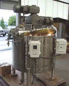 with lid-mount mixer.