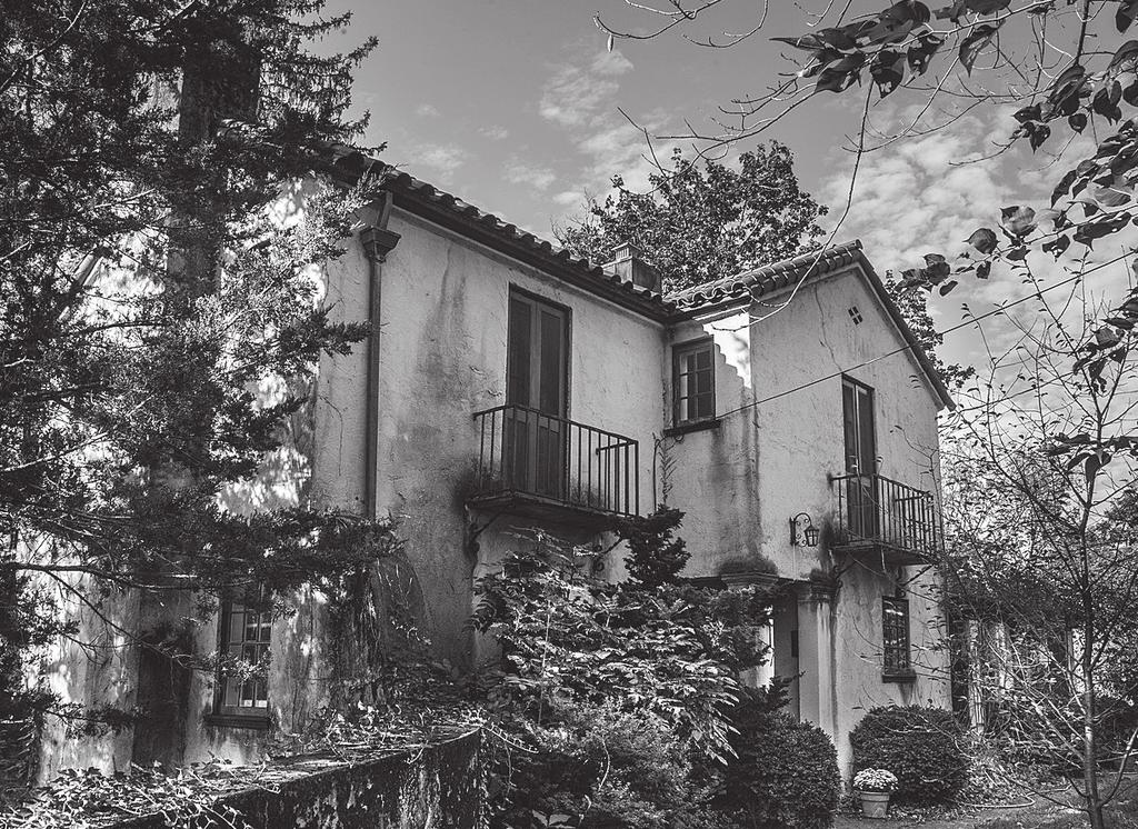 In 1926, the Collins firm designed a series of romantic houses of similar style and construction including 20 Frazier Street, designed for Charles K Brown and his wife Francis Opie Brown.