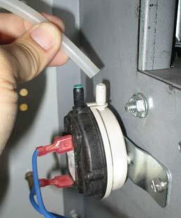 If the pressure switch does not have a blue orifi ce, fully insert the blue orifi ce