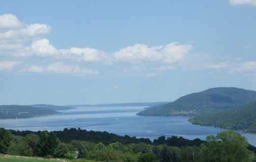 BEAUTIFUL KEUKA LAKE Why is Keuka Lake special? AA rated water Pristine, untouched landscape Rural resort tourism Why should we preserve those qualities?