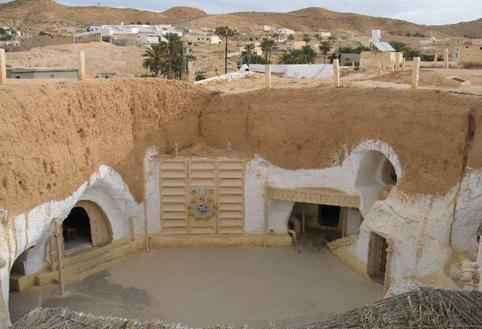 The house in Matmata contains a collection of rooms with vaulted ceilings that reach a height of 4.
