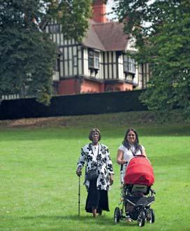 218 Wightwick Manor and Gardens HGsrgm4W 1937 Wightwick Bank, Wolverhampton, West Midlands WV6 8EE T 01902 761400 E wightwickmanor@nationaltrust.org.