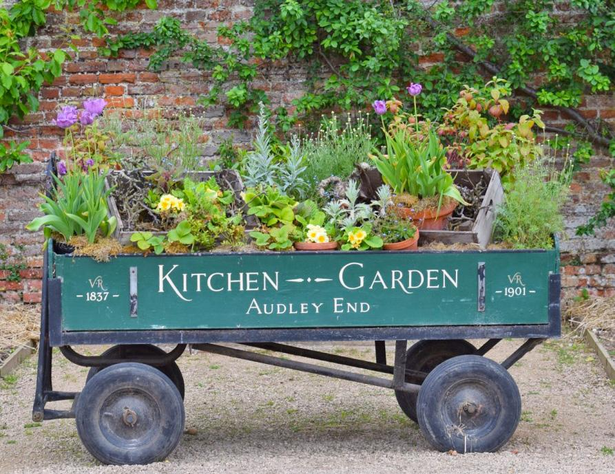 DAY 4 Friday, May 18, 2018 This morning we ll set off to enjoy Great Dixter, once home to the wellknown horticulturalist and author, Christopher Lloyd.