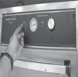 3-3. START-UP Before using the heated holding cabinet, the unit should be thoroughly cleaned as described in the Cleaning Procedures Section of this manual. 1.