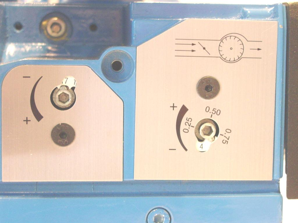 9 To light the SU-2A Gas Burner 1. Set the thermostat to the lowest temperature 2. The control knob on the gas valve should be in the OFF position for at least five minutes. 3.