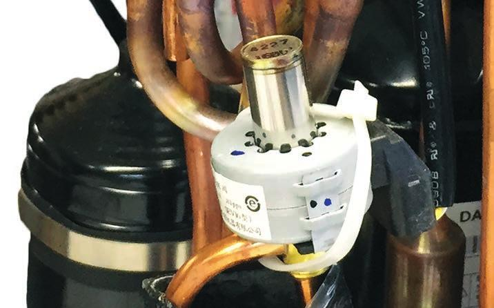 When de-energized in COOL MODE, the valve will direct the refrigerant hot gas to the outdoor coil. When energized in HEAT MODE, the valve will direct the hot gas to the indoor coil.