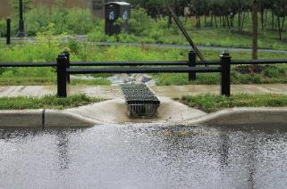 overflows Cost-effective Small-scale systems that capture runoff near