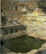 known for its three hundred baolis, built at various locations and in different time periods(s. Jain, 2005). The most famous of these today are the Panna Mian Baoli and the Kale Hanumanji ki baoli.