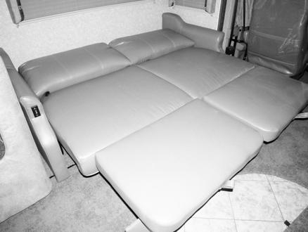 EXTENDABLE SECTIONAL SOFA If Equipped (Typical View Your coach may differ in appearance) Your coach may be equipped with an Extendable Sectional Sofa, which converts easily into additional seating