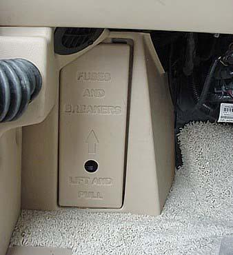 SECTION 3 DRIVING YOUR MOTORHOME Automotive 12-Volt Circuit