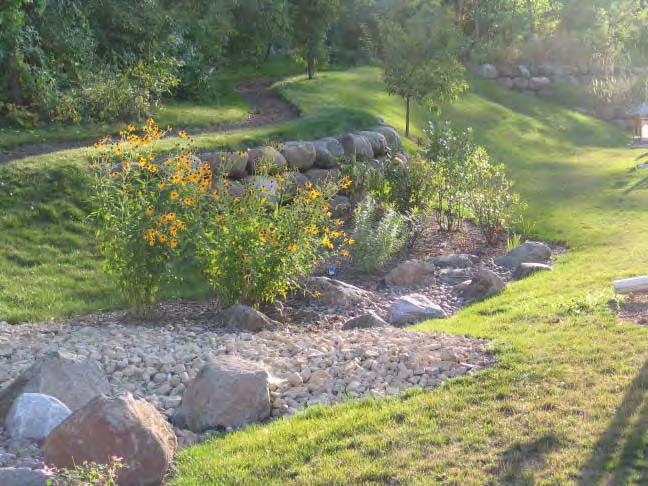 To minimize erosion, planting designs should be fully coordinated with the grading of walkways, parking lots/islands, lawns, pedestrian plazas/terraces and streets.