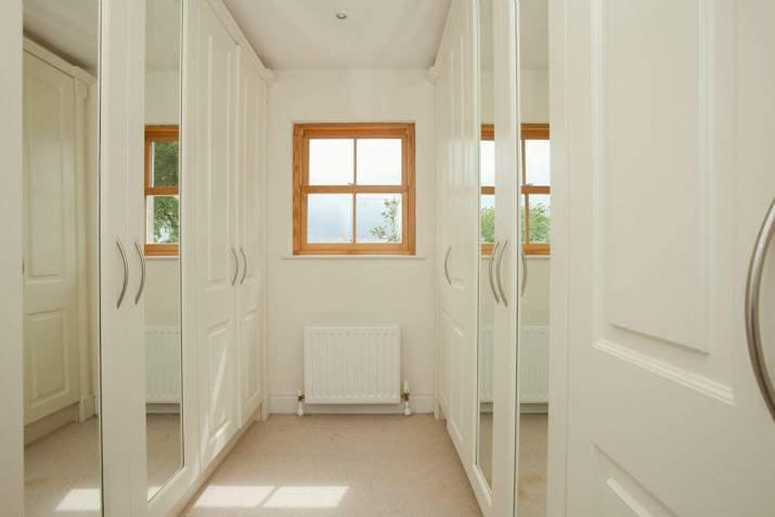 voltage spotlights ENSUITE SHOWER ROOM: Traditional white suite with 'Villeroy and