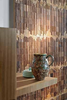Morotai RM 930 01 Thelxiépéia RM 932 01 Trancoso, raw triptych. Teak wood personifies naturalness, claiming space on walls like a panoramic sculpture.
