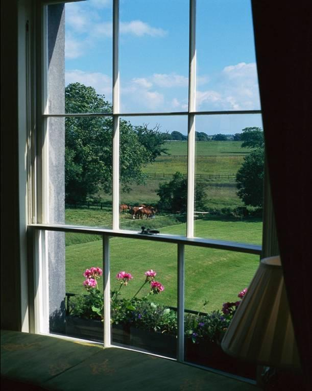 Energy Saving Tips Let the Heat In or Out Block out heat in the summer by keeping blinds or curtains