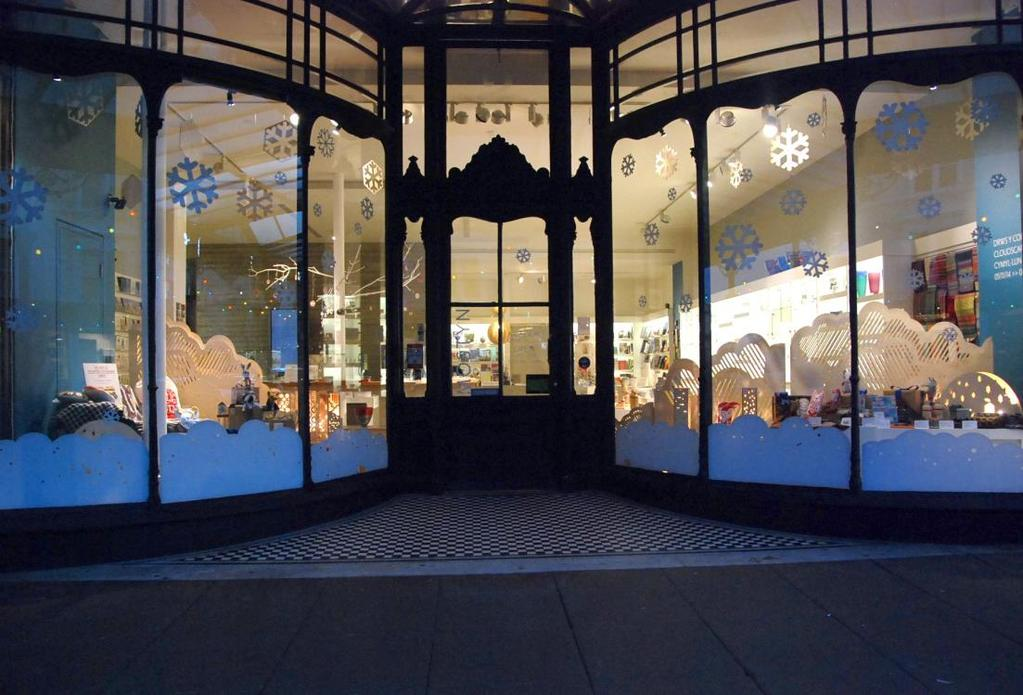 Photography: Lin Cummins We are looking for a window display that is Unique and visually striking Has a festive theme A ʻmust see' window in Llandudno An eye-catching talking point A platform to