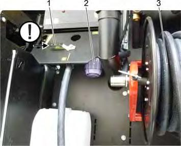 Ensure an even distribution of the hose when rolling it up. Finally lock the hose reel by locking the brake lever in the clockwise direction.