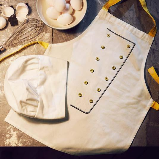 IKEA PRESS KIT / OCTOBER 2016 / 32 PH138653 TOPPKLOCKA CHILD APRON & CHEF HAT Cooking and baking become so much more fun if you look the part.