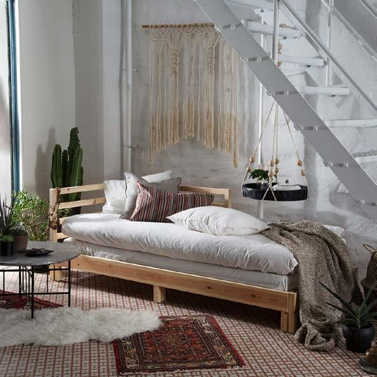 IKEA PRESS KIT / OCTOBER 2016 / 4 PH138584 TARVA DAY BED When living in a small space, it s great to have a day bed that can act as a sofa by day, and be folded out to a double bed by night.