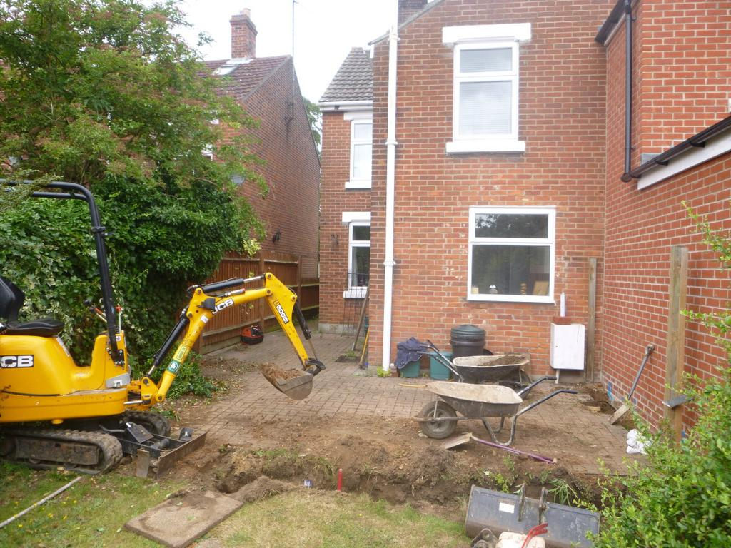 Archaeological monitoring and recording: 20 Irvine Road, Colchester, Essex, CO3 0TR July 2015 by Pip Parmenter and Chris