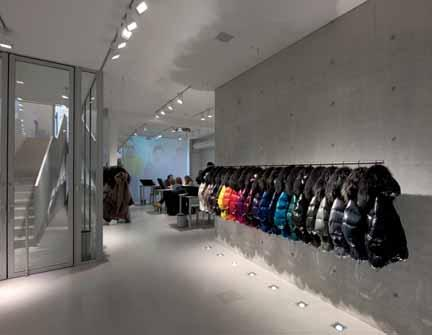 receive comes from vertical surfaces. The common mistake retailers make is to shine lights down from the ceiling and highlight the fl oor.