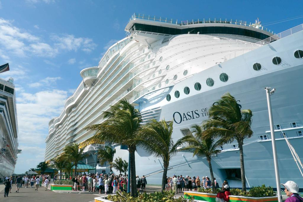 Royal Caribbean s Oasis and Allure of the Seas The Evac Complete Cleantech Solution can be found aboard the Oasis of the Seas and her sister ship the Allure of the Seas, owned by Royal Caribbean